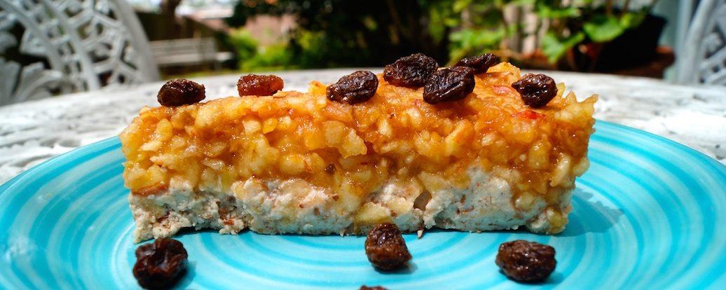 Roh-veganer Apfel-Zimt-Kuchen