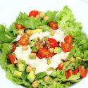 Avocado-Salat mit Joghurt-Dressing