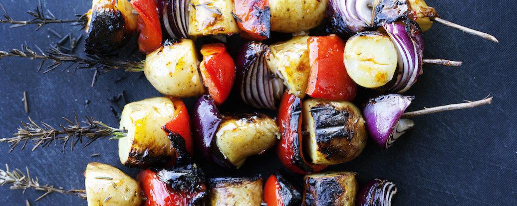 Gegrillte Rosmarin-Gemüse-Spieße