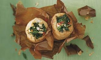 Blätterteigtaschen mit Spinat
