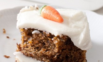 Karottenkuchen mit Cream-Cheese-Frosting