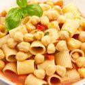 Pasta mit Kichererbsen und Tomaten