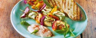 Pfirsich-Gemuese-Tofu-Spiesse