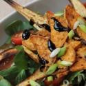 Salat mit Süßkartoffel- und Pastinaken-Chips