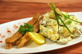 Schnitzel-mit-Kartoffelsalat