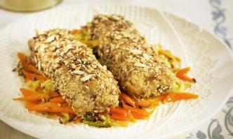 Tofu-Dill-Haferröllchen auf Karotten