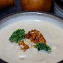 Topinambur-Suppe mit Birnen und Walnüssen