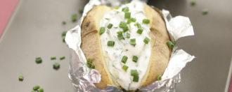 Ofenkartoffeln mit veganem Kräuterquark
