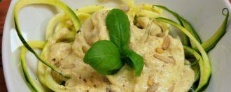 Zucchininudeln mit Cashew-Soße vegan